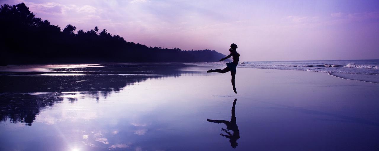 caro-beach-dance